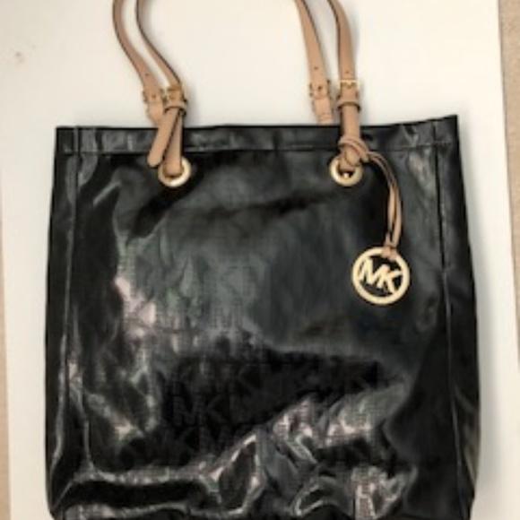 9aadcdaa07e3 Michael Kors Bags | Black Tote Purse | Poshmark